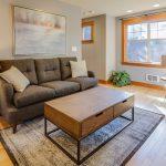 Masívny nábytok je najkvalitnejší a drevo je zdravým materiálom